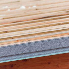 Les panneaux de toiture sont fabriqués sur un site KNAUF en France